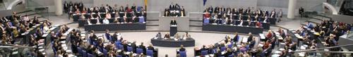 Plenarsaal des Bundestages: Ausnahmsweise gut besetzt!